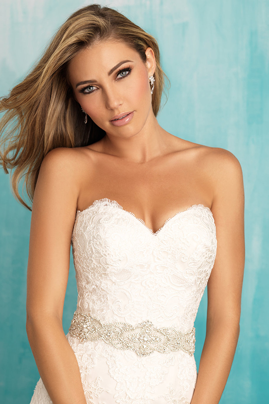 9309 Allure Bridals Princess Line Wedding Dress
